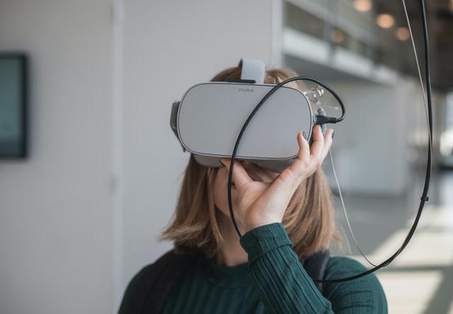 Луѓето со социјално анксиозно растројство покажуваат подобрени симптоми по терапија со виртуелна реалност